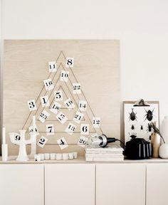 DIY sapin style calendrier de l'avant sur planche de bois. Bougeoirs et baladeuse pour une deco scandinave
