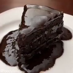 This Best Chocolate Cake recipe makes for the most flavorful, moist, and tender chocolate cake you've ever tasted! One Bowl Chocolate Cake Recipe, Decadent Chocolate Cake, Hot Chocolate Cookies, Best Chocolate Cake, Homemade Chocolate, Chocolate Desserts, Chocolate Icing, Sweets Recipes, Fun Desserts