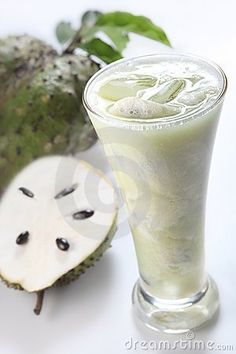 """Juice extracted from the Graviola fruit makes a drink called """"Soursop"""" that is great for the body. It's an incredible immunity booster and has cancer killing abilities that are compared to and some say stronger than Adriamycin, the cancer killing drug used in chemotherapy, but without the side effects, i.e. the Graviola plant will effectively target and kill the cancer cells without harming other cells! Soursop Juice Recipe, Soursop Fruit, Healthy Smoothies, Healthy Drinks, Smoothie Recipes, Healthy Foods, Healthy Juices, Natural Cancer Cures, Natural Cures"""