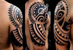 Sonne im Maori Tattoo Design integriert