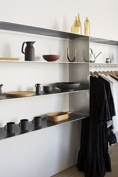 The new Simon James Concept Store in Newmarket recently opened its doors to reveal a beautifully elegant, light-filled space. Retail Interior, Interior Exterior, Interior Architecture, Interior Design, Commercial Architecture, Interior Decorating, New Zealand Architecture, Loft, Retail Space