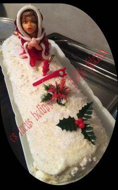 Buche de Noel passion mangue; figurine en pate à chocolat
