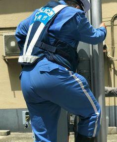 汗まみれの熟年警察官の可愛いお尻を触りたいなぁ~~