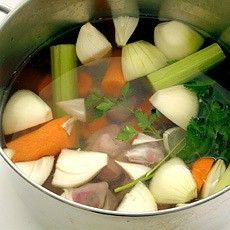 Turkey Giblet Stock - Turkey Recipes - Recipes - from Delia Online Chicken Giblets, Turkey Recipes, Soup Recipes, Turkey Giblet Gravy, Pear And Almond Cake, Braised Red Cabbage, Venison Steak, Homemade Chicken Stock, Kitchens