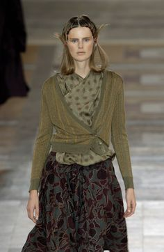 Dries Van Noten Spring 2002 Runway Pictures - Livingly
