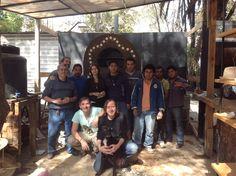 Parte del equipo que construyo el huerto bajo la guía de El Chajá