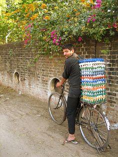 Unda Wallah ~ Egg-seller alongside Sadar Patel Bridge, Gujarat, India