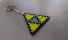 The Legend of Zelda Triforce Keyring/chain. by PixelBeadPictures
