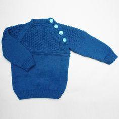 Je vous présente un petit pull raglan que j'ai réalisé pour le bébé d'un couple d'amis, qui s'appelle Valentin. Le petit pull est une taille 12 mois, alors nous devrons atte…