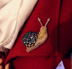 """Купить Брошь """"Улитка"""" - улитка, брошь, украшение, для девушки, подарок женщине, Вышивка бисером, стильно"""