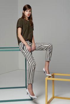 Maje Clothing Online - Parisian Fashion High Fashion Looks, Cute Fashion, Spring Fashion, Ladies Fashion, Fashion News, Women's Fashion, Vanity Fair, Casual Chic, Maje Clothing