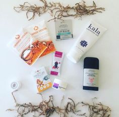 January 2017 Pregnancy Box, featuring eco-friendly goodies to give the expecting mom a fresh start in 2017.