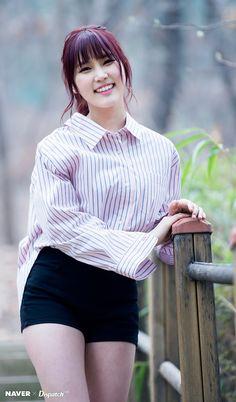PRISTIN ♡ Yehana 예하나 • Kim YeWon 김예원 for Naver x Dispatch, March 2017