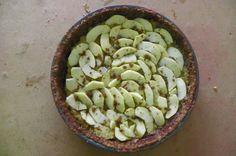 tarte de maçã e gengibre  (massa da tarte feita com bolachas Aveianas de sésamo e canela)