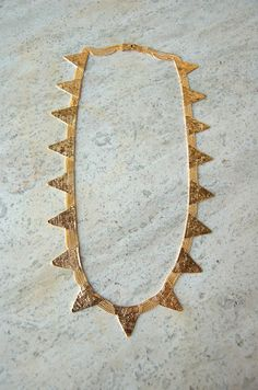 una // jagged necklace