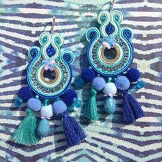 News! #lucejewels #alittlemarket #soutache #soutachejewelry #soutacheearrings #earrings #orecchini #bouclesdoreilles #fashionblogger #fashionaddict #fashiondesigner #jewerlydesigner #streetstyle #lookofday #picoftheday #outfitoftheday #moda #mode #vogueitalia #vogueaccessory #jewels #lookbook #handmadejewelry #ponpon #nappine #style Soutache Earrings, Beaded Earrings, Beaded Jewelry, Handmade Jewelry, Jewellery, Shibori, Diy Accessories, Diy And Crafts, Balloons