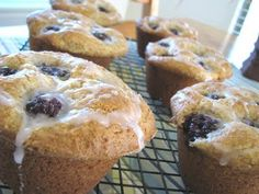 Blackberry Cream Cheese Muffins With Sweet Berry Drizzle (adapted from Better Homes and Garden Nov. 1997)