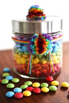 DIY • Regenbogen im Glas • Smarties zum verschenken •