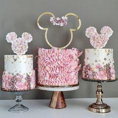 Mini Mouse Birthday Cake, Minnie Mouse Birthday Theme, Mini Mouse Cake, Minnie Mouse Cake Topper, Minnie Mouse Cookies, Minnie Cake, Mickey Mouse Cake, Baby Birthday Cakes, Minnie Mouse Pink