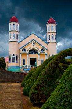 Church of San Rafael and topiary   Zarcero, Costa Rica