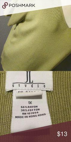 "JL Studio green short sleeve top 1X EUC Beautiful green material with slight ""silk shimmer"".  66% rayon and 34% cotton.  SW102 JL Studio  Tops"
