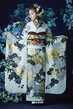 Traditional Kimono, Traditional Fashion, Traditional Dresses, Japanese Costume, Japanese Kimono, Japanese Outfits, Japanese Fashion, Kimono Design, Kimono Pattern