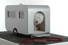 Does your dog need luxury transport for its next holiday? The retro Nomad caravan could be for you. Yes, that's right, a dog caravan - with wheels, a Retro Caravan, Idaho, Pet Furniture, Sleeping Dogs, Animal House, Dog Houses, Tiny Houses, Akita, Puppy Love