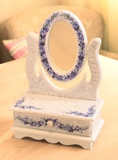Mini cômoda com espelho