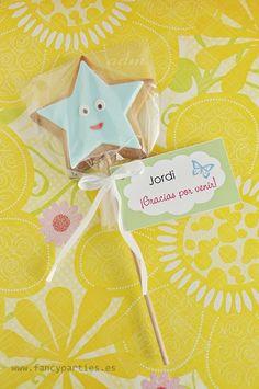 Dora the Explorer Stars Cookie Pops by www.fancyparties.es