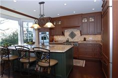2-tone traditional kitchen