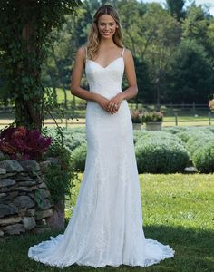 Sincerity Bridal 3980 Sand/Ivory Size 10 A classic V-neck and back give this stunning spaghetti strap gown with a vintage flair. The allover lace and sweep train are perfect for the bride who dreams of an elegant and timeless look. https://www.sinceritybridal.com/wedding_dress/3980