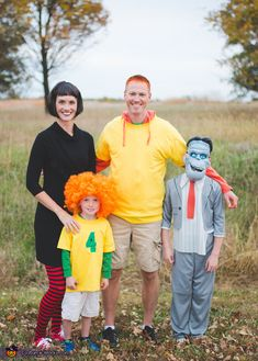 Hotel Transylvania 2 - 2015 Halloween Costume Contest via Halloween Birthday, Halloween 2019, Holidays Halloween, Scary Halloween, Group Halloween, Halloween Ideas, 2 Halloween Costumes, Family Costumes, Halloween Cosplay