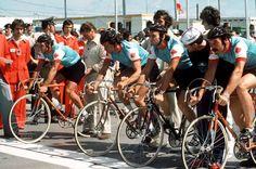 L'équipe masculine de cyclisme sur route du Canada participe au 100 km aux Jeux olympiques de Montréal de 1976. (Photo PC/AOC)