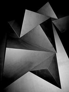 Love patternity.co.uk. Could be a crystal under a microscope or insane architecture. Either way oddly soothing.