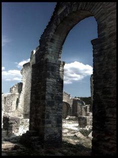 Dvigrad - Duecastelli - Paesi Fantasma