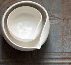 Serving Pour Bowl Set White Porcelain Nesting Ceramic Bowls