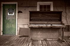 Porch Piano *Large Wall Art, Americana, Music Art, Canvas Photograph* by JasonStoddartPhoto on Etsy https://www.etsy.com/listing/206648063/porch-piano-large-wall-art-americana