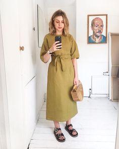 Brittany Bathgate (@brittanybathgate) in chartreuse linen