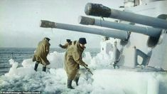 Stunning photos reveal the brutal conditions faced by sailors protecting Arctic Convoys Army & Navy, Us Army, Navy Air Force, History Online, Military Diorama, Coal Mining, Navy Ships, Black N White Images, Royal Navy