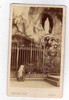 St. Bernadette, ruega por nosotros