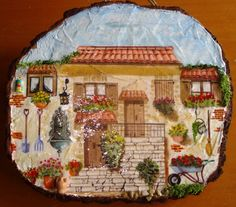 Fetta di tronco grande decorata con stucco + decoupage e piccoli oggetti in miniatura.