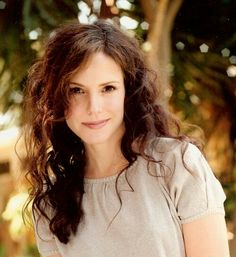 Mary Louise Parker - a long-time girlcrush of mine and even more so after she started on Weeds. Beautiful Celebrities, Gorgeous Women, Beautiful People, Mary Louise Parker, Star Pictures, Woman Crush, The Fresh, Pretty Face, Celebrity Crush