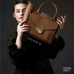 Stylish, Trendy, Chic handbag with clutch. #facheranl #leatherbag #clutch #handmadebag