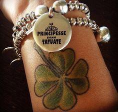 Le principesse sono tatuate, quadrifoglio, tatuaggi, monete, ciondoli