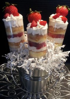 best-cake-push-pops Strawberry Shortcake, strawberry whipped cream shortcake cake push pops are the best!