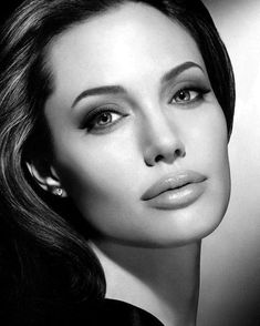 ''The thought that you could die tomorrow frees you to appreciate your life now''-Angelina Jolie Angelina Jolie Fotos, Angelina Jolie Face, Beautiful Celebrities, Gorgeous Women, Celebrity Portraits, Black And White Portraits, Classic Beauty, Famous Faces, Belle Photo