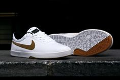 Nike SB Koston SE White/Metallic Gold: The arrival of Eric Koston's new Nike SB Koston 2 hasn't meant the end of his original Nike Sneaker Outfits, Converse Sneaker, Puma Sneaker, Sneakers Mode, Sneakers Fashion, Gold Sneakers, Tenis Casual, Casual Shoes, Zapatillas Nike Sb