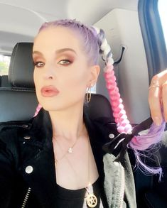 Kelly Osbourne Lost 85 Pounds Through Gastric Bypass Surgery - Celebrity Curve Kelly Osbourne, Tavi Gevinson, Jeannie Mai, Pulled Back Hairstyles, Hair Pulling, Loose Weight, Purple Hair, Weekend Is Over, Her Hair