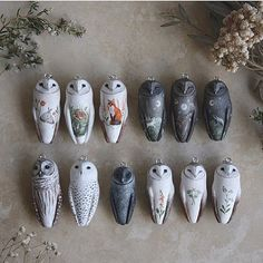 Okay, last update of the year! With that silly website error finally fixed, these teeny owl necklaces will be ready to fly to their forever… Polymer Clay Owl, Polymer Clay Animals, Polymer Clay Projects, Polymer Clay Creations, Diy Clay, Polymer Clay Jewelry, Clay Crafts, Clay Earrings, Clay Birds