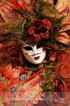 🌻 For more great pins go to Mardi Gras Carnival, Venetian Carnival Masks, Carnival Of Venice, Venice Carnivale, Venice Mask, Venitian Mask, Costume Venitien, Beautiful Mask, Stunning Photography